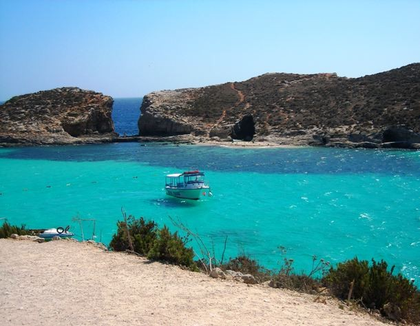 Blue_Lagoon_and_Cominotto-610x473