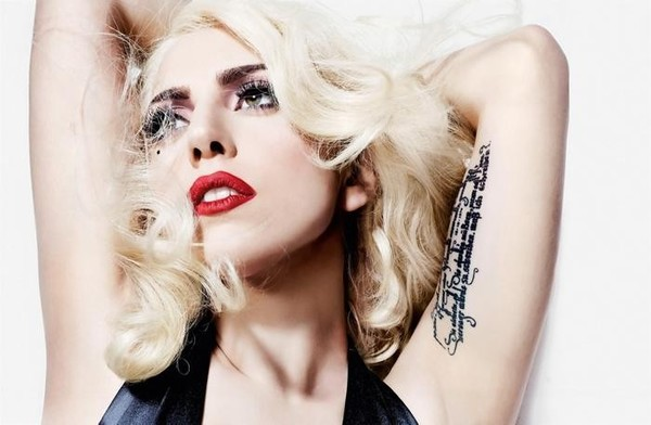 th_gaga-lady-gaga-20910432-2000-1311